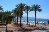 Verejná pláž v Ein Bokek, dovolenka pri Mŕtvom mori