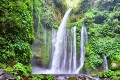 Vodopád v dedinke Senaru, Lombok, Indonézia