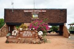 Brána do parku Tsavo East, safari Keňa
