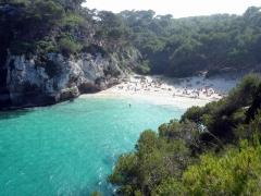 Menorca, panenská pláž Cala Macarellita